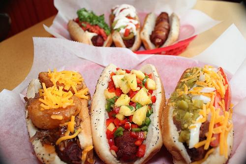 dirty franks hot dog palace