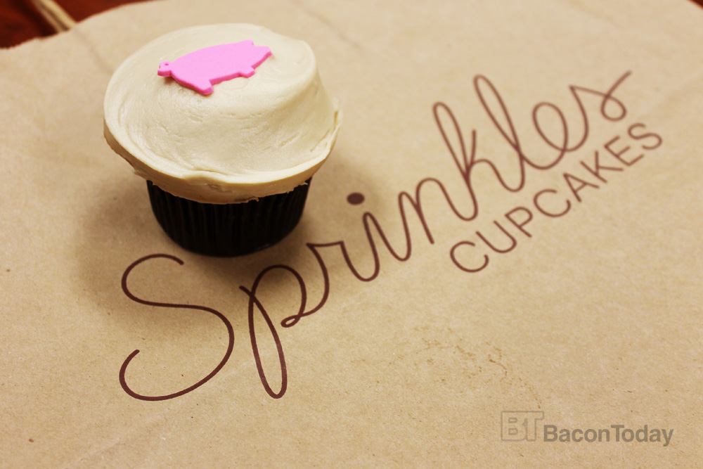 sprinkles-maple-bacon-cupcake3