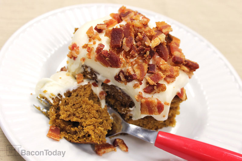 bacon-pumpkin-bars-with-maple-cream-cheese-frosting2