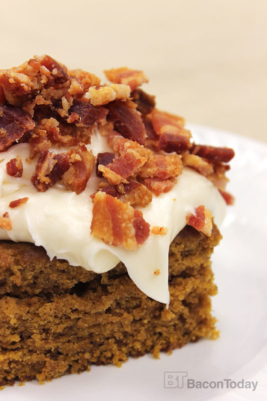 bacon-pumpkin-bars-with-maple-cream-cheese-frosting3