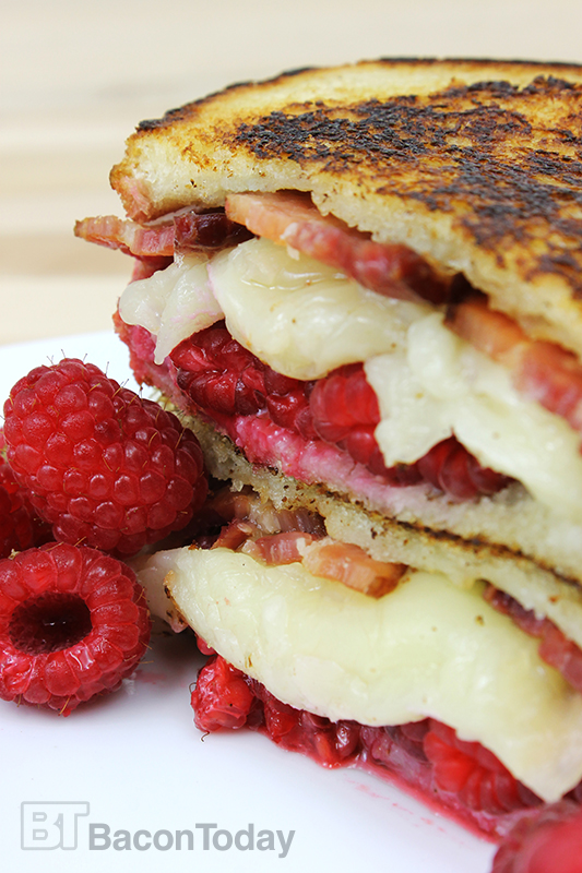 raspberry-bacon-grilled-cheese